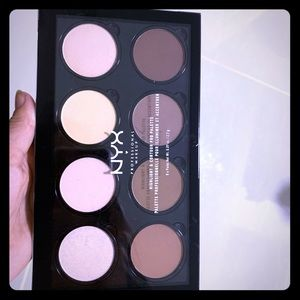 NYX PALETTE FREE WITH PURCHASE